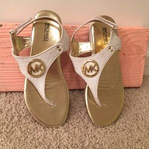 MICHAEL KORS WHITE LEATHER GOLD MK SANDALS THONG 1